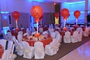 Wedding Gift Ideas Red Balloon : Puedes incluso ponerle luces de LED para decorar el lazo de tul de los ...